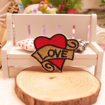 Love Red Heart stickers 2pcs/lot Iron On Embroidered cloth patches party promotion costume pants decoration gift